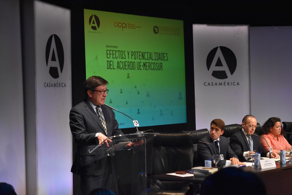 Francisco Sánchez, director del Instituto de Iberoamérica durante el seminario en Casa de América.